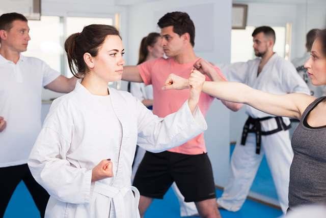 Carpentersville martial arts class for family